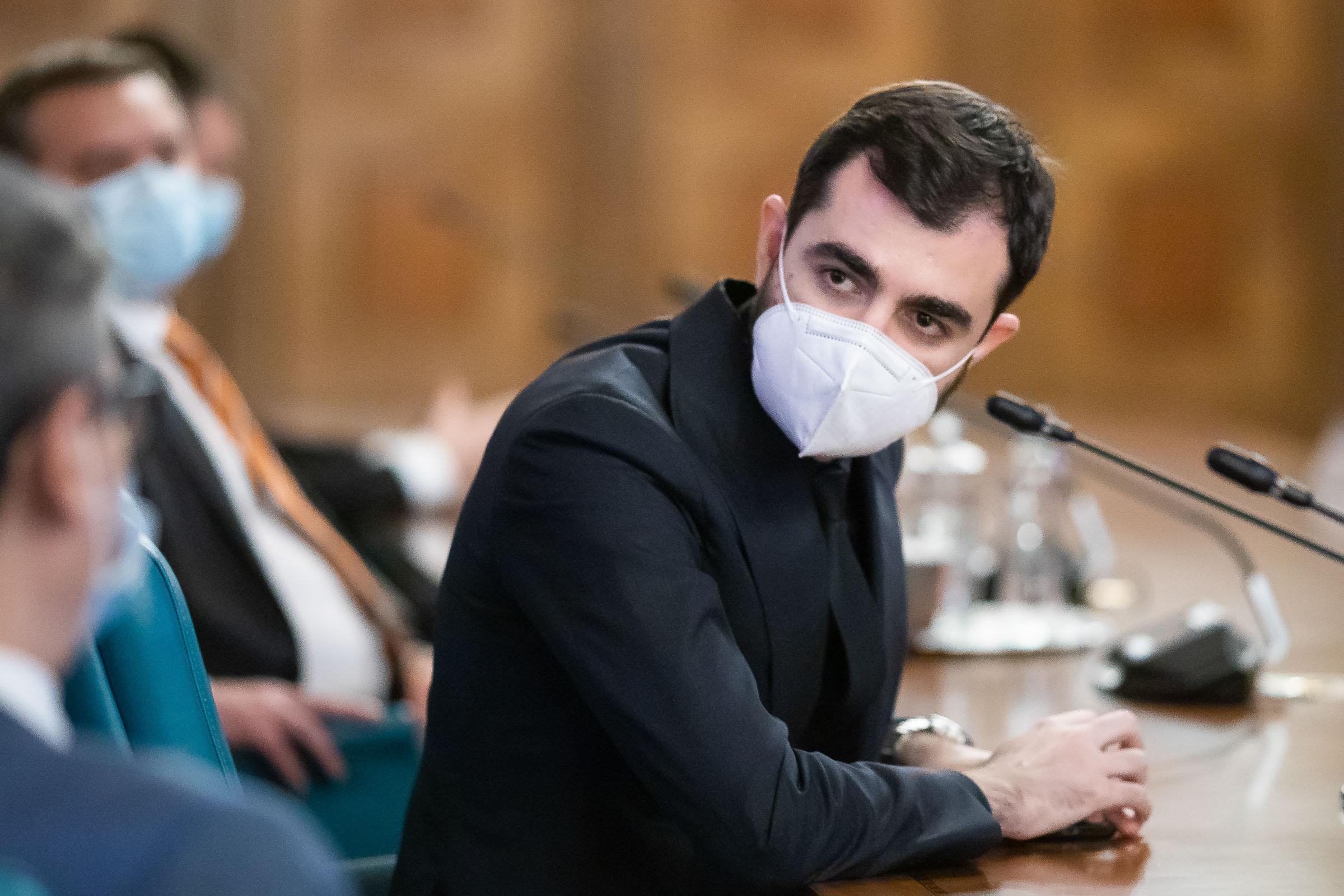 """Claudiu Năsui jubilează după transparentizarea contractelor Ministerului Economiei: """"Nu e de mirare că au început să ţipe prin Parlament. Au fost demascaţi"""""""