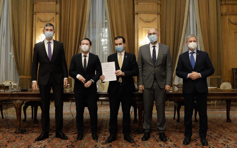 Coaliţia de guvernare a semnat un nou acord după demiterea lui Vlad  Voiculescu. DOCUMENT
