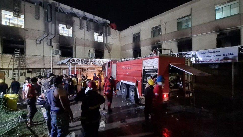 Incendiu într-un spital Covid-19. Cel puţin 23 de persoane au murit