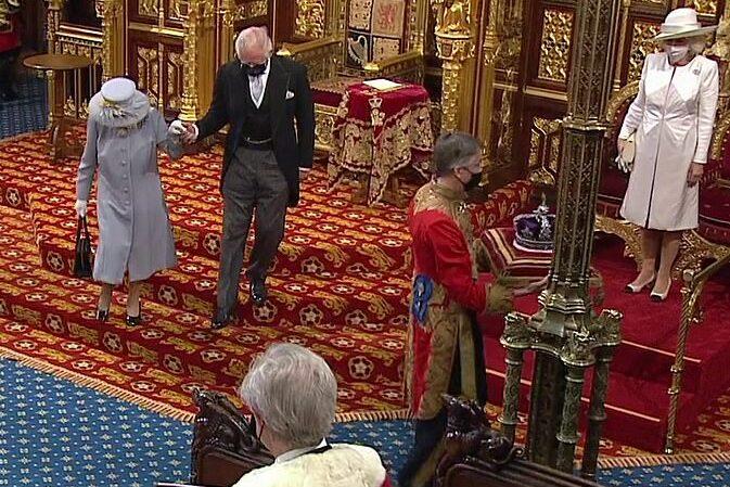 Regina Elisabeta a II-a primul eveniment public după moartea Prinţului Philip12
