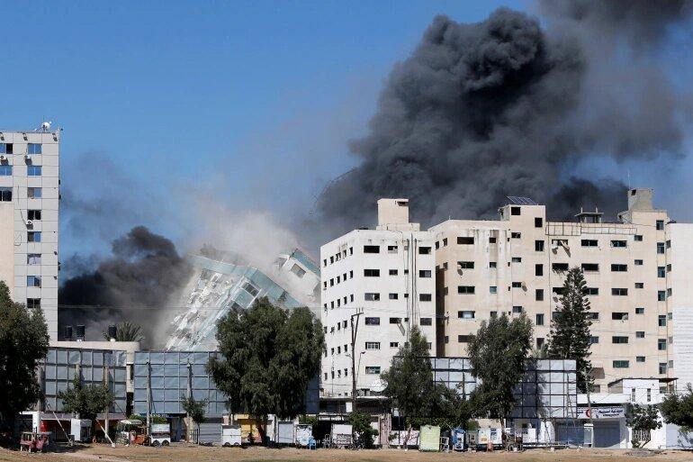 Armata israeliană atac asupra Associated Press şi Al Jazeera