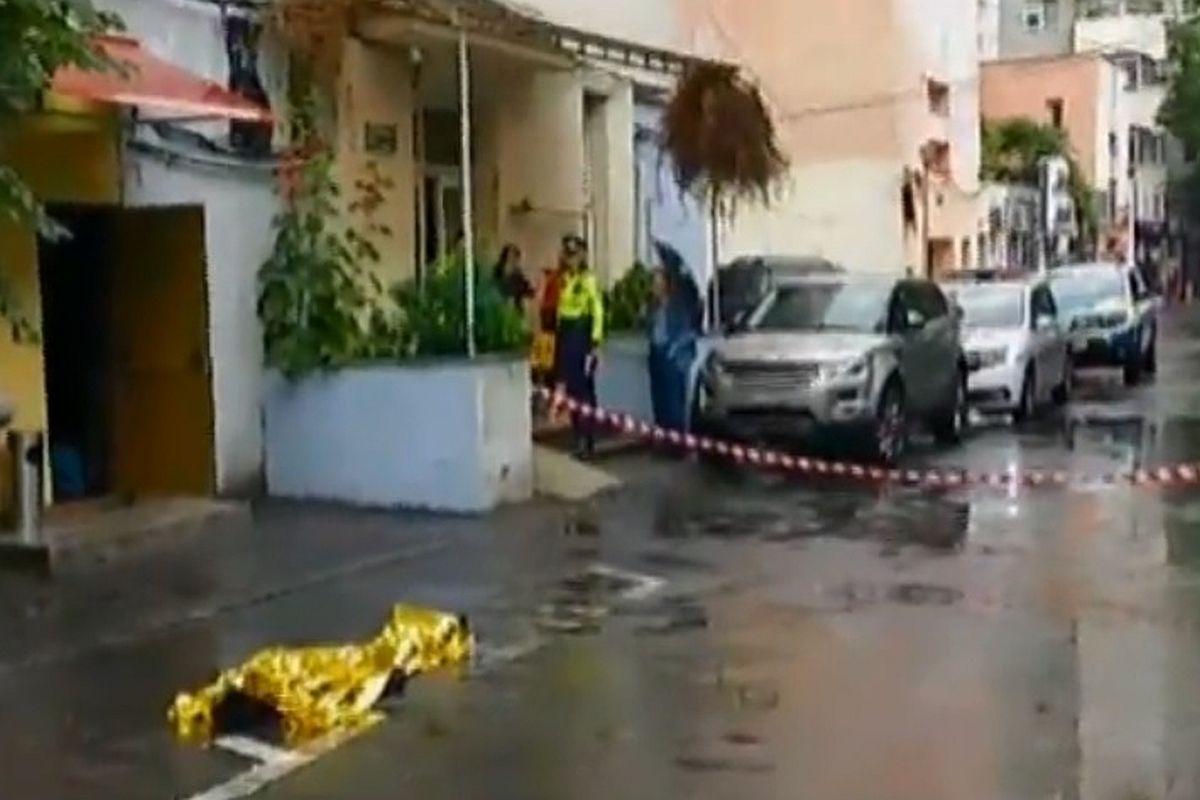Incident șocant în București, lângă stadion. Un bărbat a murit după ce s-a aruncat de la etajul 9