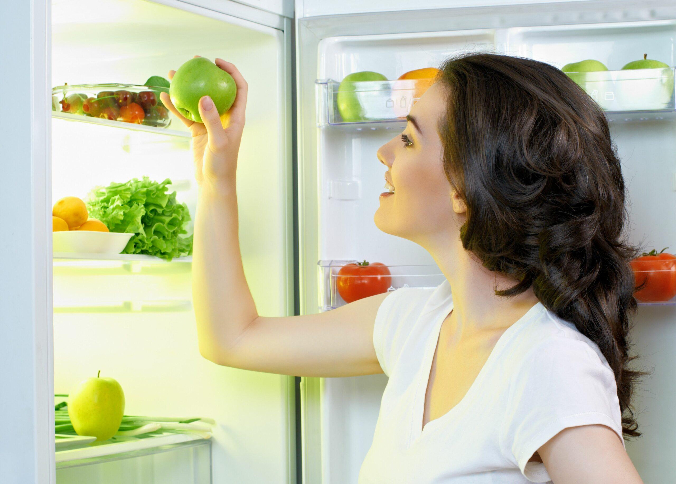 Cum trebuie setată temperatura la frigider vara. Greşeala care îţi strică şi alimentele, şi frigiderul