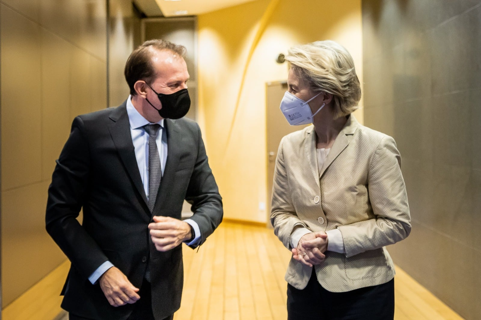 Premierul Florin Cîţu s-a mai întâlnit cu Ursula von der Leyen pe 11 mai pentru a discuta despre PNRR