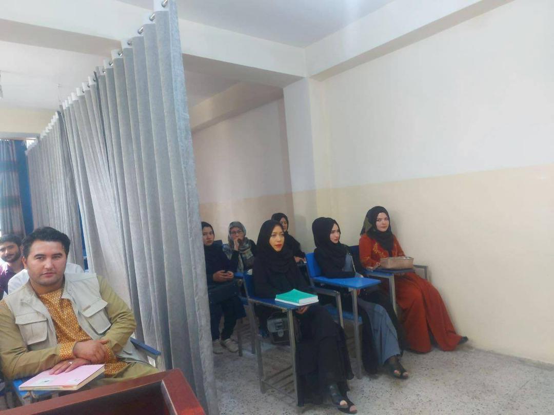 Imagine recentă din universităţile afgane
