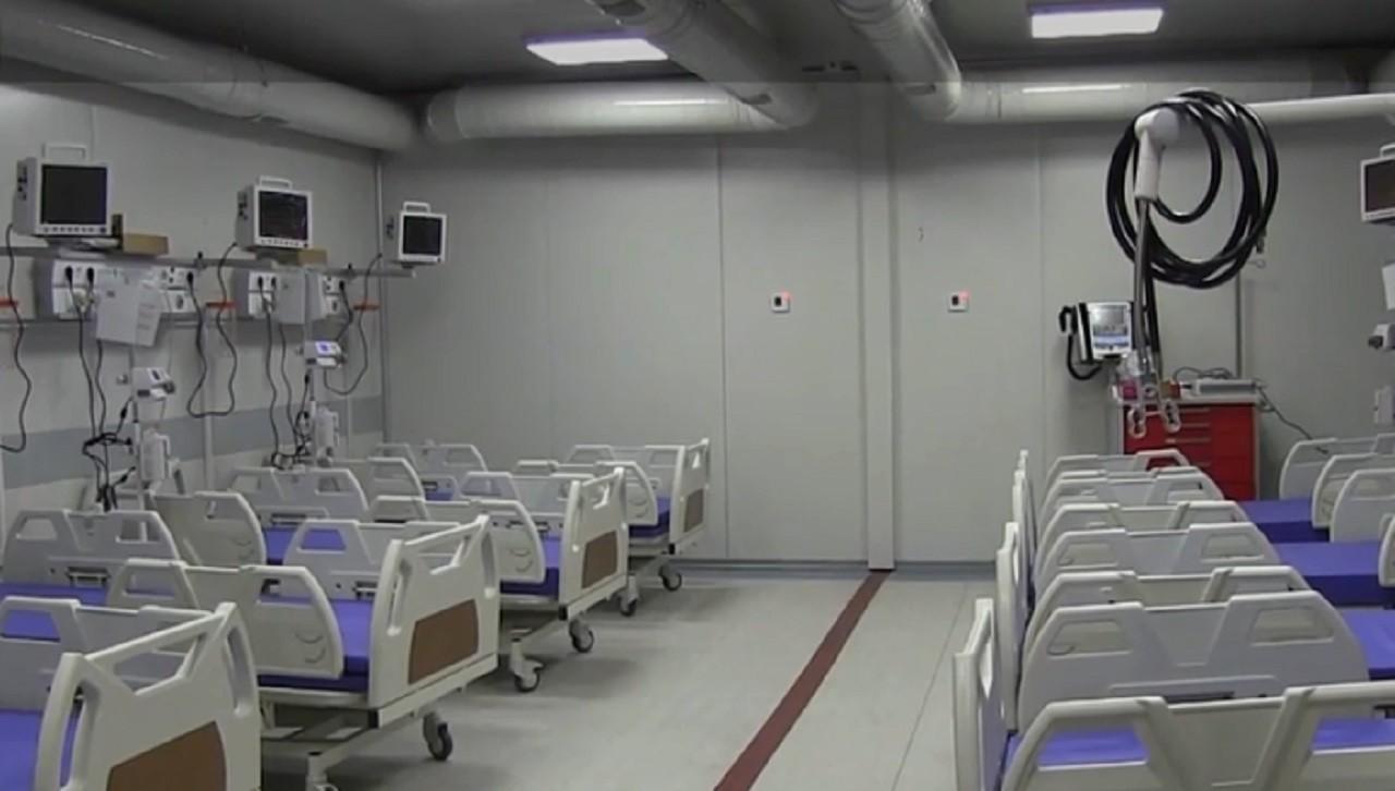 Spitalul de la Leţcani s-ar putea închide din nou. Bolnavii de COVID-19 tremură de frig în containere